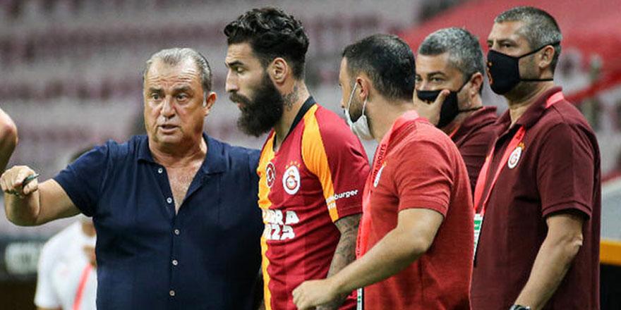 Galatasaray'da 6 isimle yollar ayrılıyor