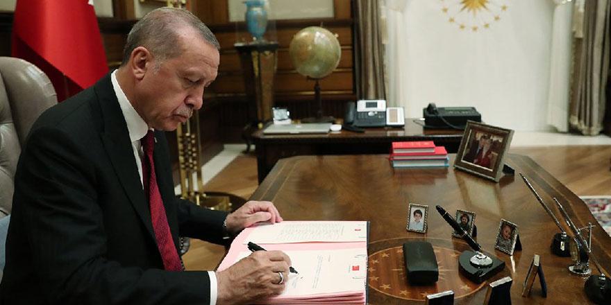 Erdoğan'ın imzaladığı kararlar Resmi Gazete'de! Dört bakanlıkta görev değişimi