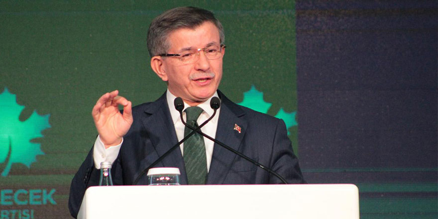 Ahmet Davutoğlu hem Soylu'ya hem de Bahçeli'ye açtı ağzını yumdu gözünü
