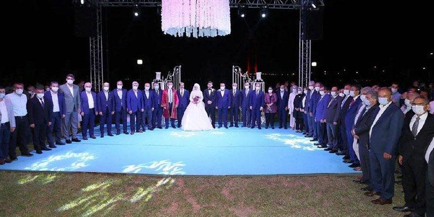 AKP'li milletvekili 1500 kişiyi davet etmişti! O düğünle ilgili çok konuşulacak detay