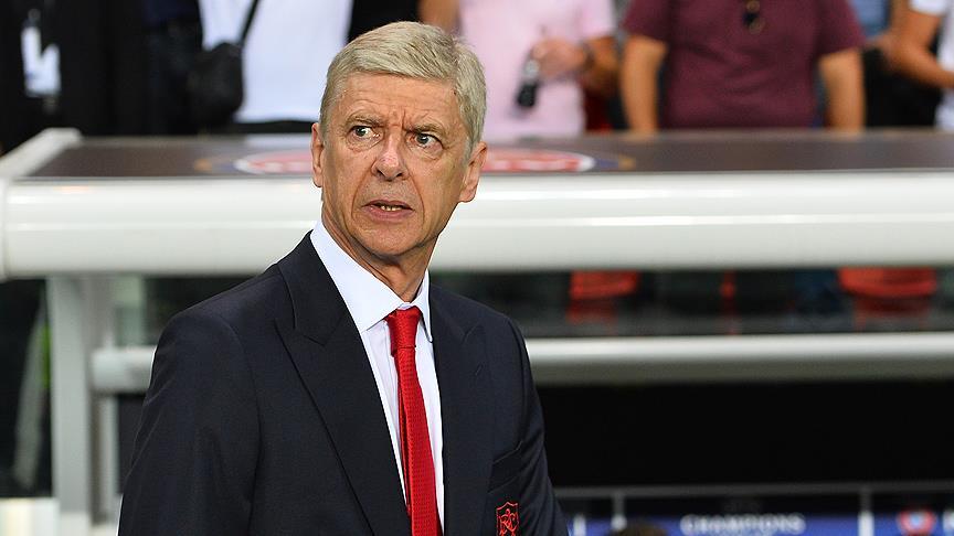 Wenger kariyerine ara vermeyecek
