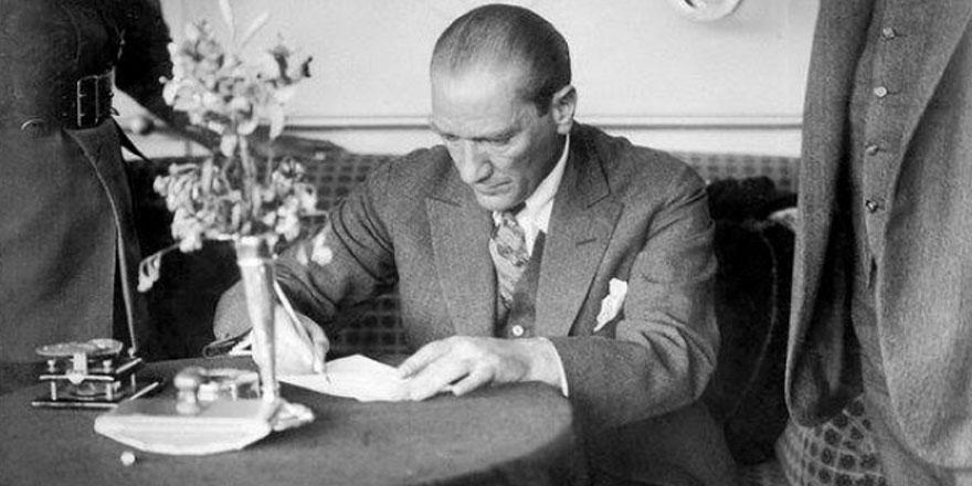 Atatürk'ün bir çocuğa yazdığı kayıp mektup bakın nerede bulundu