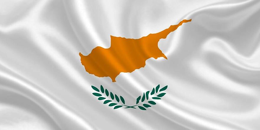 Güney Kıbrıs'ta AB vatandaşlığı satan şebekenin başı meclis başkanı çıktı