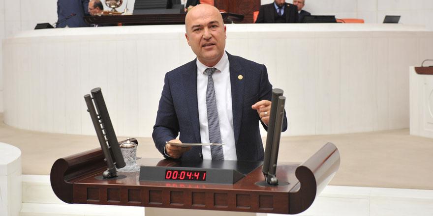 """CHP'li vekil Murat Bakan'dan sert sözler: """"Bu kare parti devletinin somutlaşmış halidir"""""""