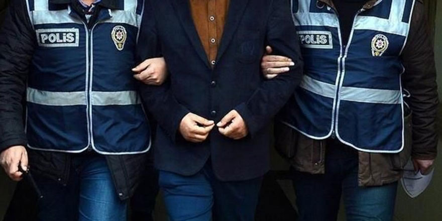 Edirne'de 6 yıl hapisle aranıyordu! Adliyede yakalandı