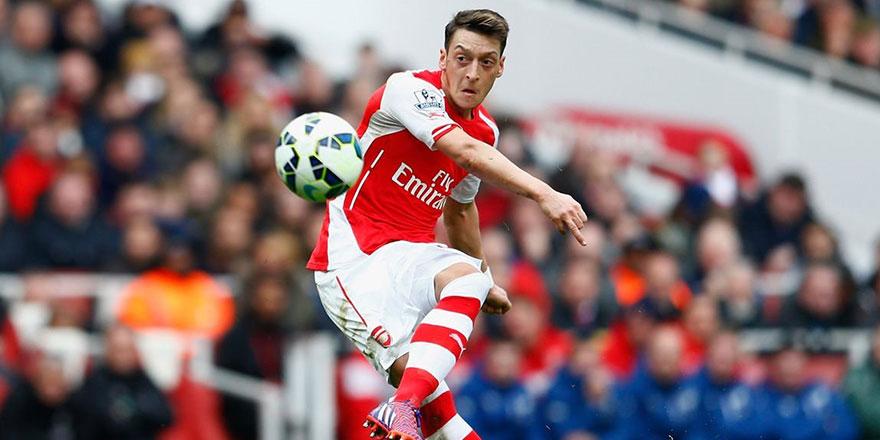 Arsenal 10 ayda kalemini kırdı! Mesut Özil'in attığı o mesaj sonunu getirdi