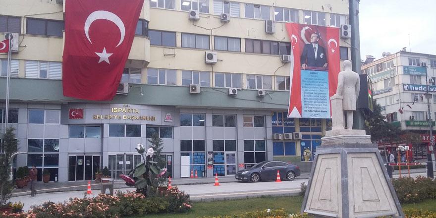 AKP'li başkan ile MHP'li başkan birbirine girdi! Isparta Belediyesi'nde kriz