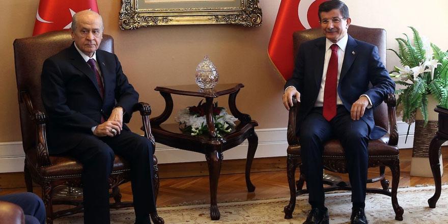 Ahmet Davutoğlu'ndan gündemi sarsacak Devlet Bahçeli açıklaması! Koalisyon görüşmesinde çok konuşulacak saat detayı