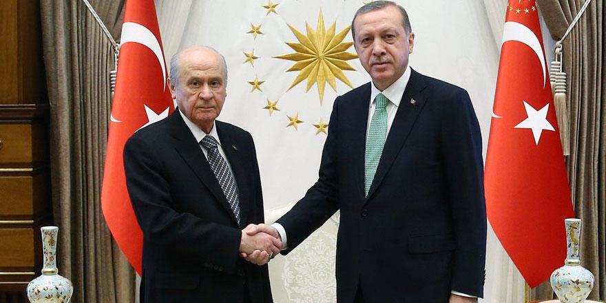 """Orhan Bursalı'dan bomba yazı... """"Saray, ayakta kalmanın tek yolu olarak..."""""""
