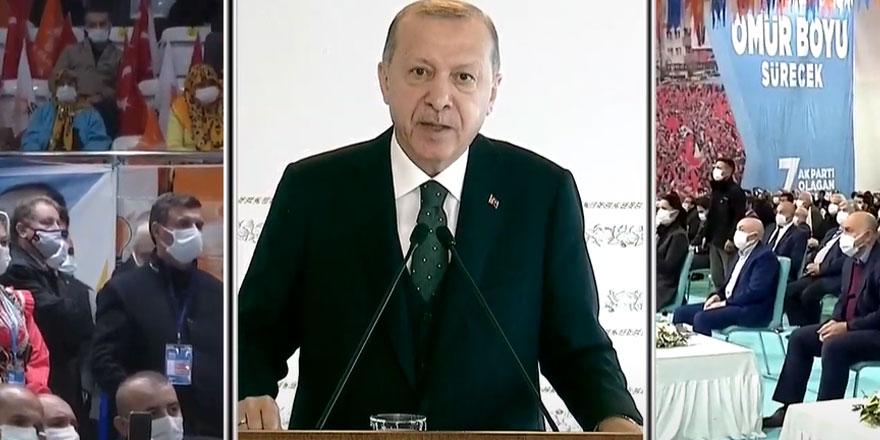 """Erdoğan yine partililere sitem etti! """"Şimdi bakıyorum salona ama..."""""""