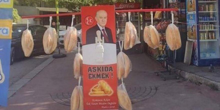 MHP'nin askıda ekmek kampanyasından sonra Kızılay'dan askıda pizza kampanyası