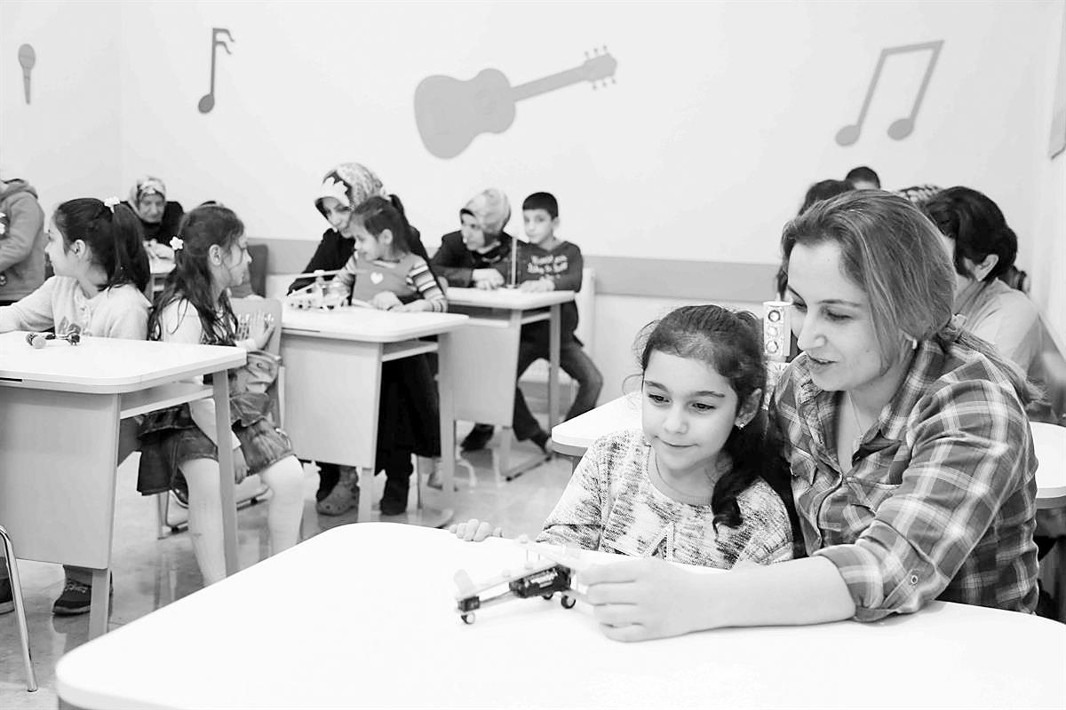 Çocuklar öğretmen veliler öğrenci