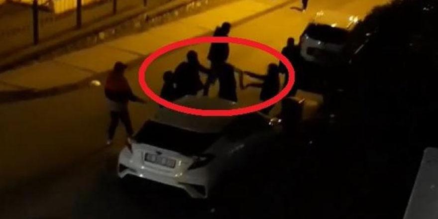 Kısıtlamaya rağmen sokak ortasında kavga ettiler