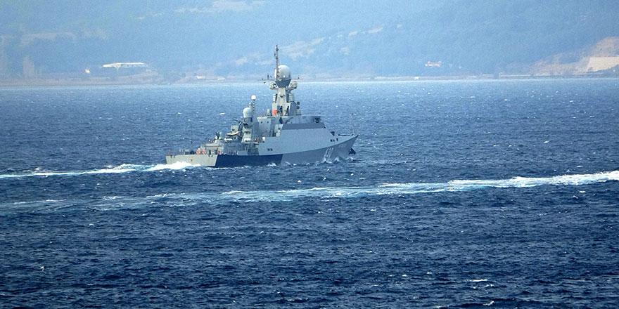 Çanakkale Boğazı'nda Rus savaş gemisi