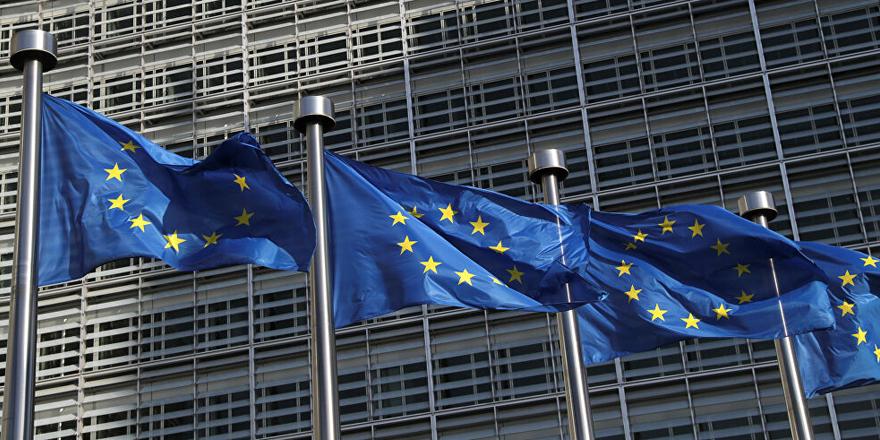 Avrupa Komisyonu'ndan Sputnik V aşısı kararı: Macaristan'da onaylansa bile