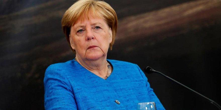 Merkel'den Oruç Reis açıklaması: Türk limanına dönmesi zirve öncesi iyi bir işaret