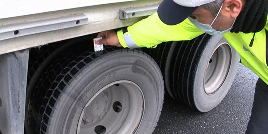 Pendik'te kış lastiği takmayan sürücülere ceza yağdı!