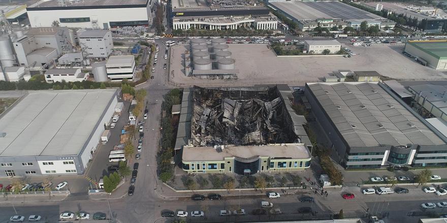 İzmir'de yanan plastik fabrikasındaki zarar miktarı belli oldu