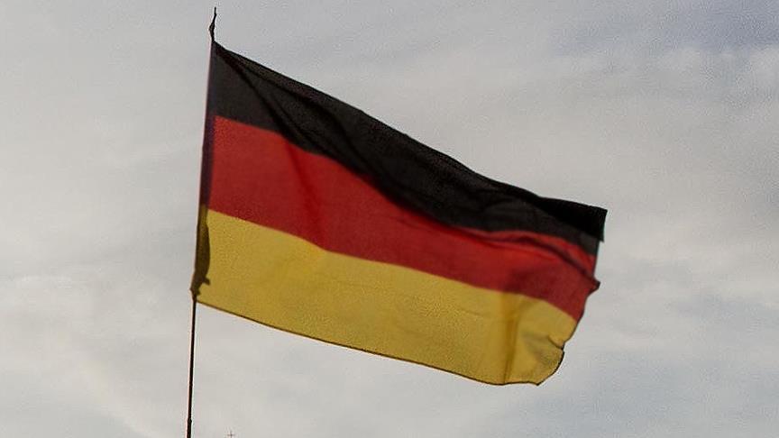 Almanya'da bir lisede öğrencilerin namaz kılması yasaklandı
