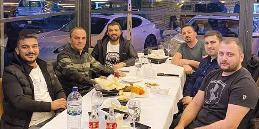 Firari isimler Galip Öztürk ve Derkan Başer'in Gürcistan'da ocakbaşı sefası