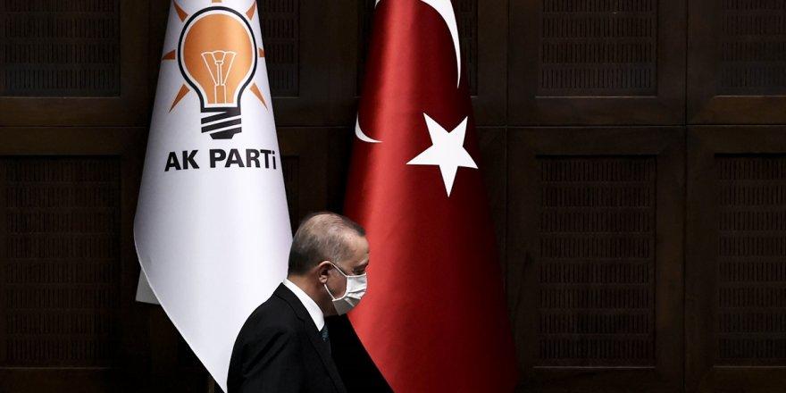 Gündeme bomba gibi düşen iddia! AKP yeni anayasa için hangi partiye davet gönderdi