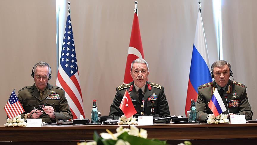 ABD'li ve Rus mevkidaşlarıyla buluştu