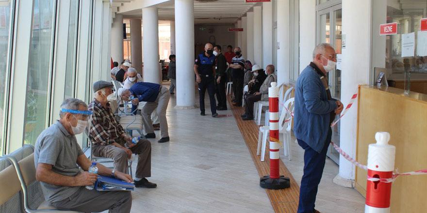 Anayasa Mahkemesi'nden emekli aylığına başvuracaklar için tarihi karar