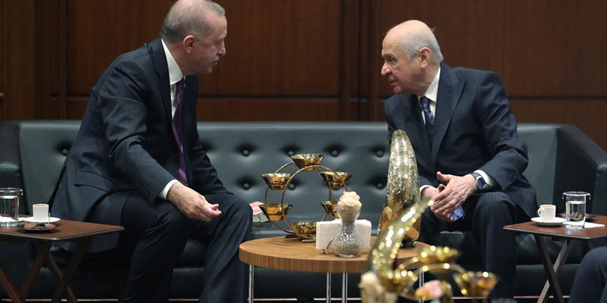 AKP'de büyük değişimler kapıda! Erdoğan istedi Bahçeli kabul etmedi