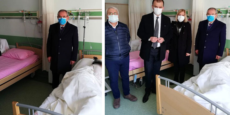 CHP'li heyetin bu fotoğrafına sosyal medyada tepki gösterildi