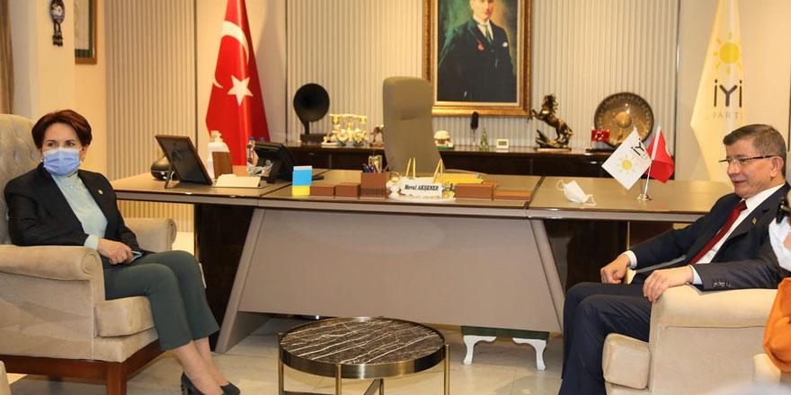 Ahmet Davutoğlu'ndan Meral Akşener'e destek ziyareti