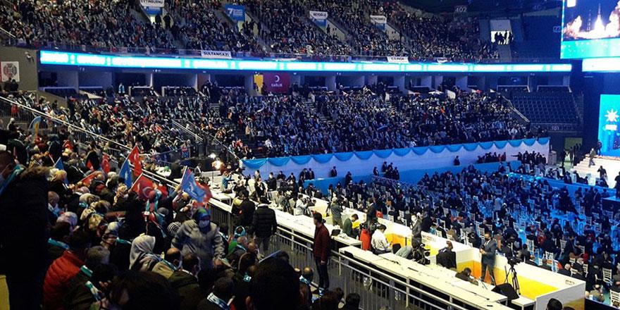 Büyük kongre öncesi AKP Grup Toplantısı'nda dikkat çeken isim