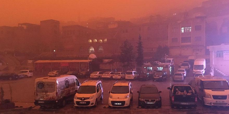 Prof. Dr. Abdurrahman Şenyiğit'ten çamur yağışı uyarısı: 2 gün evde kalın!