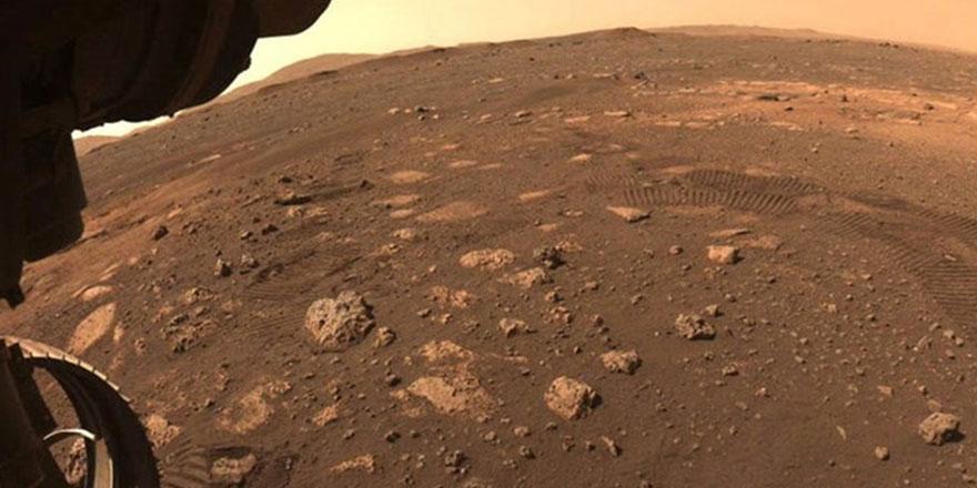 Tarihte bir ilk! NASA Mars yüzeyinden  ilk ses kaydını paylaştı