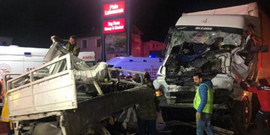 Sakarya'da zincirleme kaza! 1 kişi yaşamını yitirdi