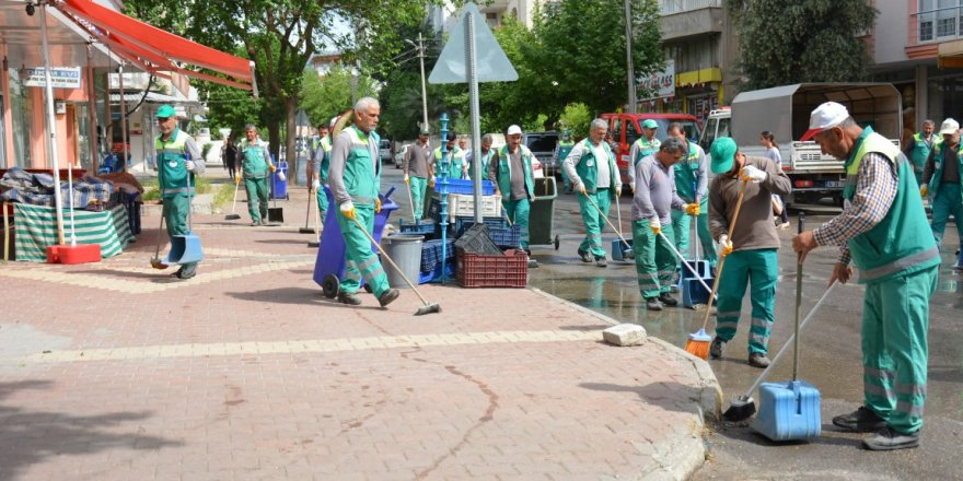 Temizlik işçisi olabilmek için üniversite mezunlarından rekor başvuru!