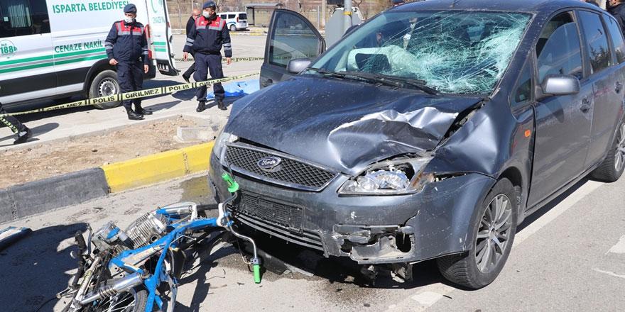 Otomobille motosiklet çarpıştı: 2 kişi yaşamını yitirdi