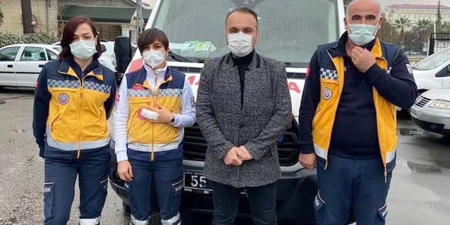 İhbarla evine gelen sağlık çalışanına saldırdı