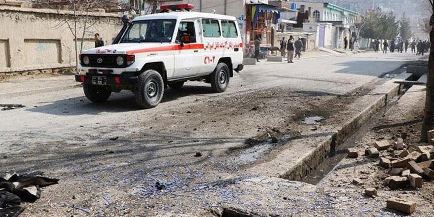 Afganistan'da bomba yüklü araçla saldırı: 8 ölü