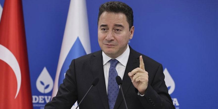 Ali Babacan müdahale etti: DEVA Partisi kongresinde gazeteciler ve görevliler arasında gerginlik!