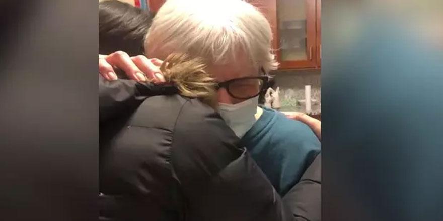 Yaşlı kadına doktordan duygulandıran reçete! 1 yıldır ilk kez sarıldı