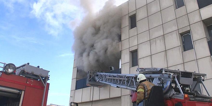 Esenyurt'ta medikal ürün atölyesinde yangın