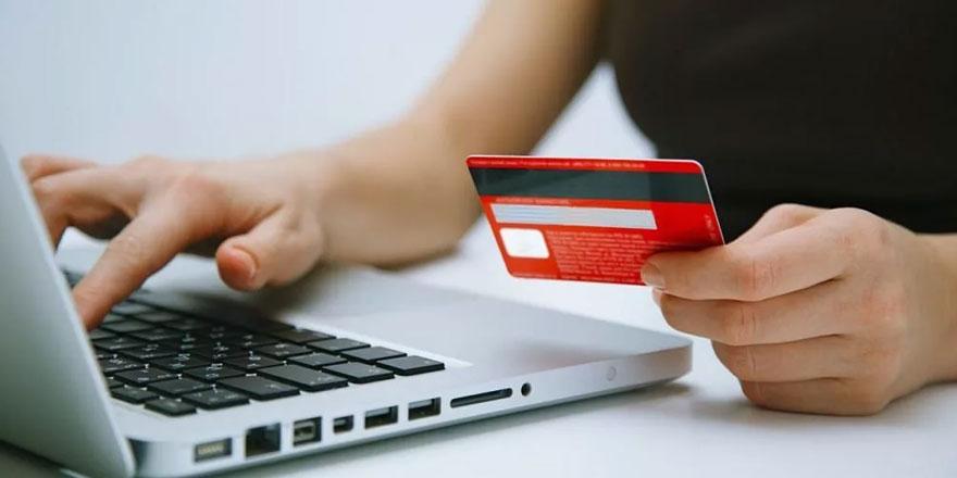 Uzmanından korkutan uyarı: Kredi kartıyla alışveriş neye yol açıyor?