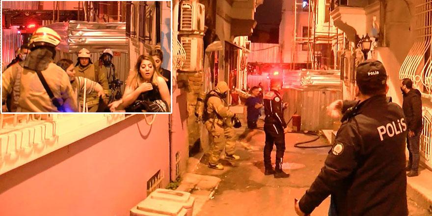 Beyoğlu'nda otelde yangın! Müşteriler tahliye edildi