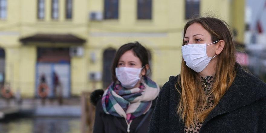 Dr. Sibel Yavaş, koruyucu maskelerin en fazla 3-4 saat kullanıldıktan sonra...