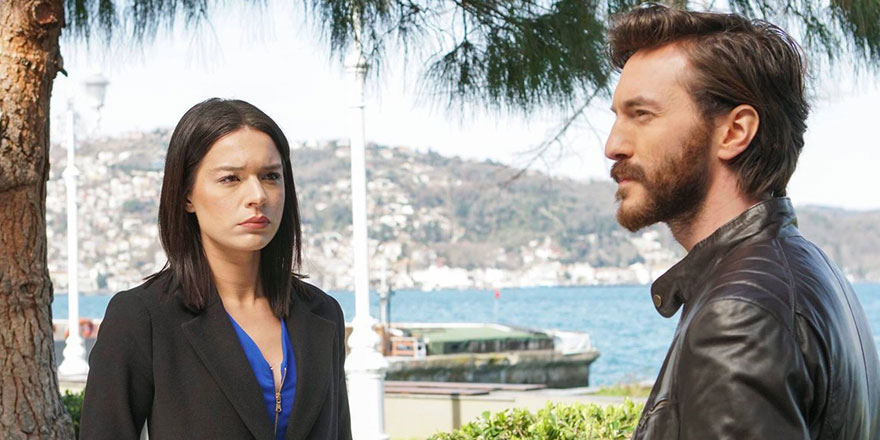 Yasak Elma dizisinin Zehra'sı Şafak Pekdemir'in erkek olduğu iddiası gündemi salladı!