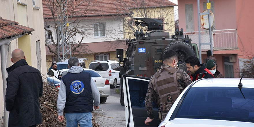 Malatya'da Emrah Batur polis ekiplerine ateş açtı!