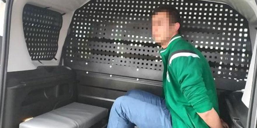 Bursa'da bir kişi yarım saat içinde 3 kişiyi bıçakladı