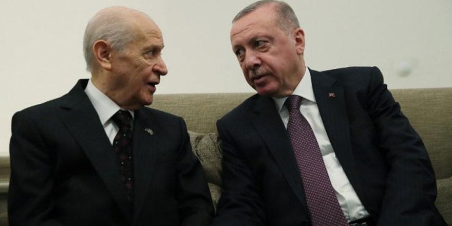AKP'nin yeni seçim modelinde 2.5 partili dönem