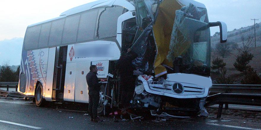 Bolu'da yolcu otobüsü kaza yaptı!