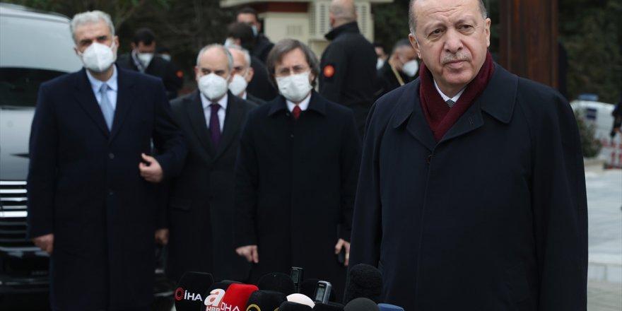 Cumhurbaşkanı Erdoğan Cuma Namazı'nı sürpriz bir isimle kıldı